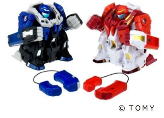 タカラトミー、拳を振って操作するバトルロボット「人機一体ブットバスター ブッ飛ばしバトルセット」など