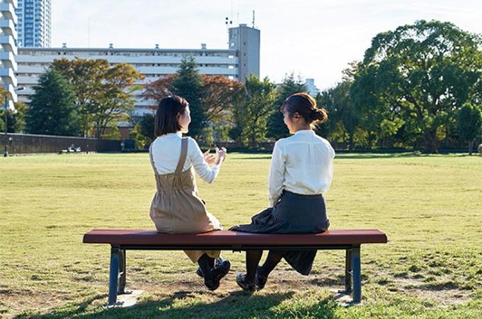 コトブキ、独自技術の抗ウィルス加工を施した公園ベンチ