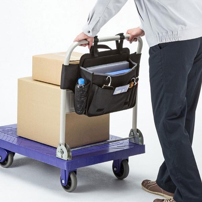 サンワサプライ、台車のハンドルに取り付けて工具や文房具などを収納できる「台車用バッグ」