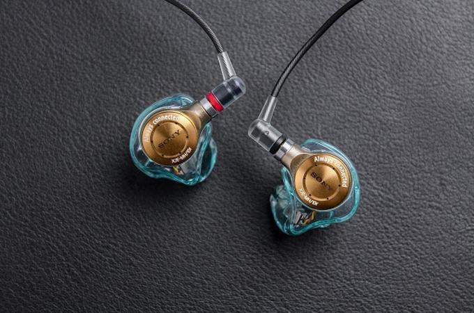 ソニー、アーティスト 藍井エイルの楽曲に最適な音質にチューニングしたテイラーメイドイヤホン