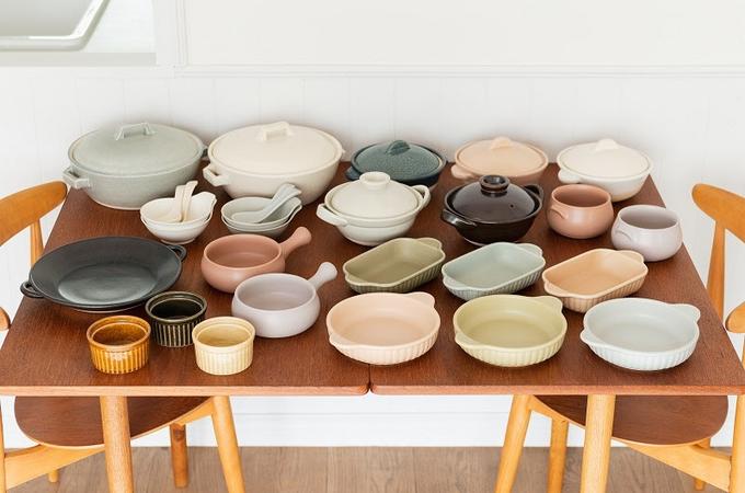河淳、KEYUCAからオーブンウェアと小土鍋