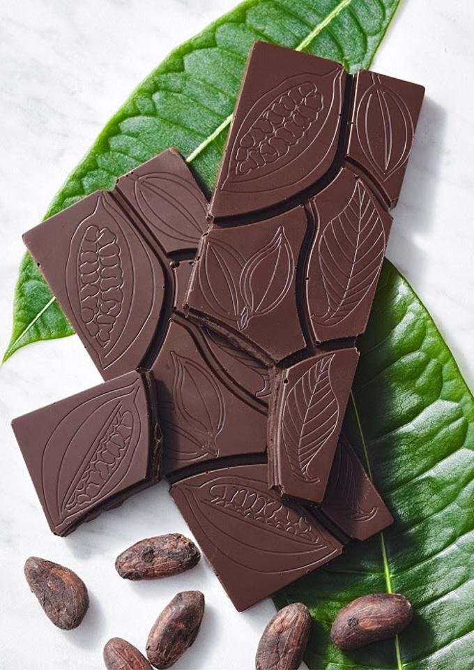 ゴディバ、ATELIER de GODIVAで「ホールフルーツチョコレート タブレット」