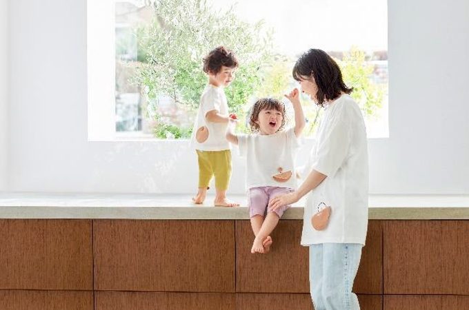 ジーユー、「GU baby」から赤ちゃん向け番組「シナぷしゅ」とコラボしたベビー服
