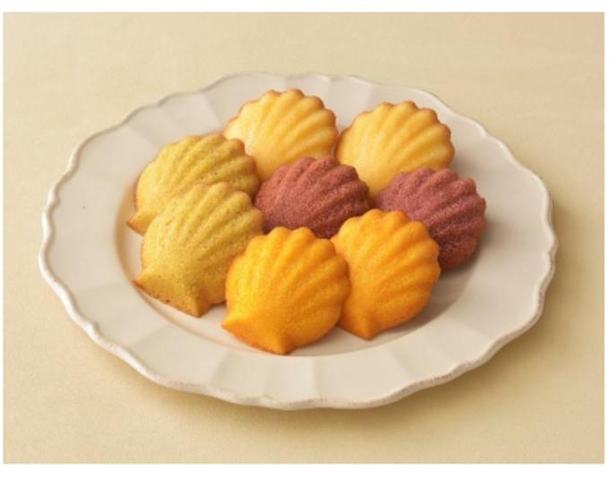 銀座コージーコーナー、和栗・かぼちゃ・紫いもを使用した「秋のマドレーヌ」