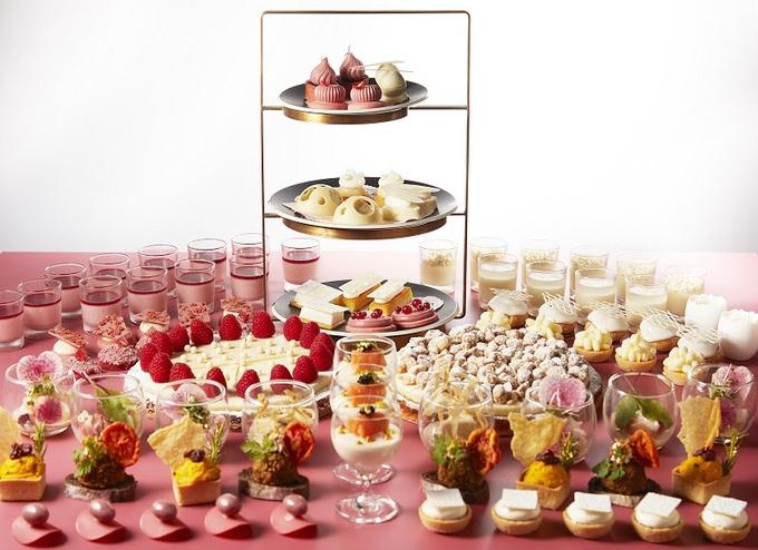 ANAインターコンチネンタルホテル東京、「シャンパン・バー」で「ホワイト&ルビー チョコレートスイーツブッフェ」