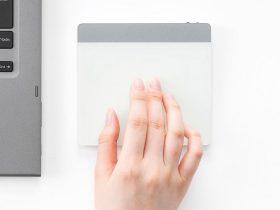 サンワサプライ、スマホ感覚でパソコンを操作できるBluetoothタッチパッド